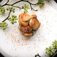 """Idée repas """"light & original""""#2 : Ecrasé de pomme de terre à l'huile de truffe et basilic accompagné de noix de Saint-Jacques au piment d'espelette"""